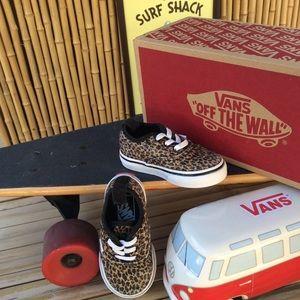 Vans No Tie Classic Canvas Low Top Sneakers Size 5